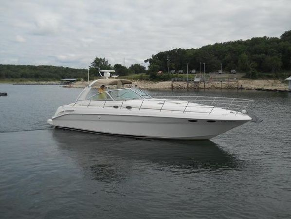 2000 410 Sea Ray Express Cruiser