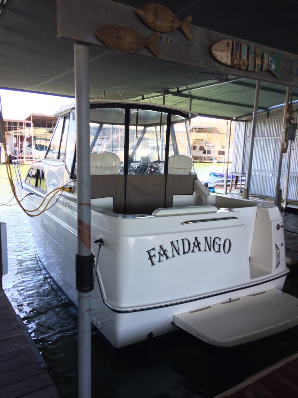 http://eisenhoweryachtclub.com/wp-content/uploads/Boat1.jpg