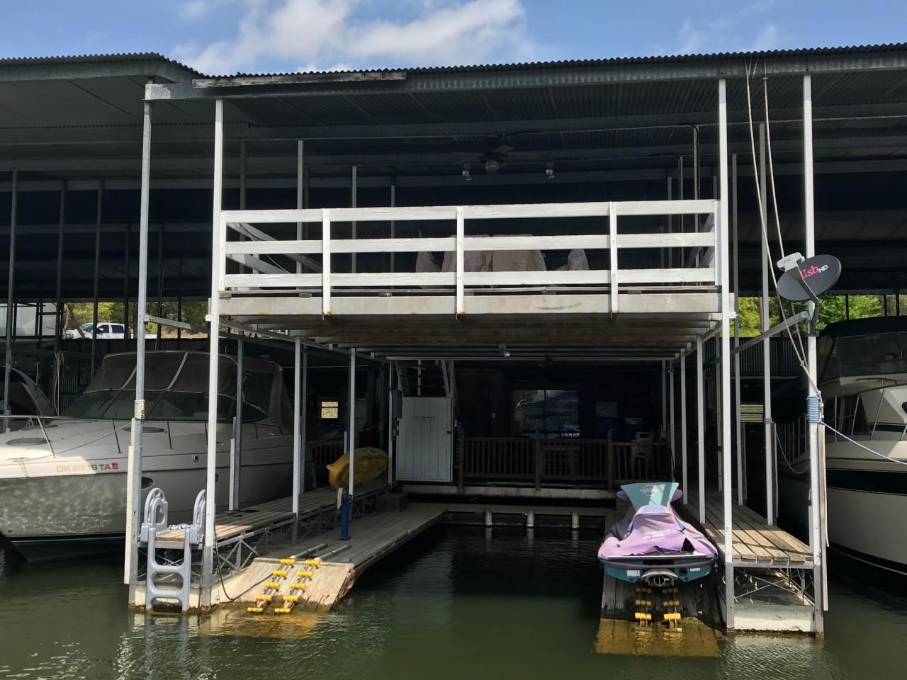 50′ Boathouse 8 Slip 3
