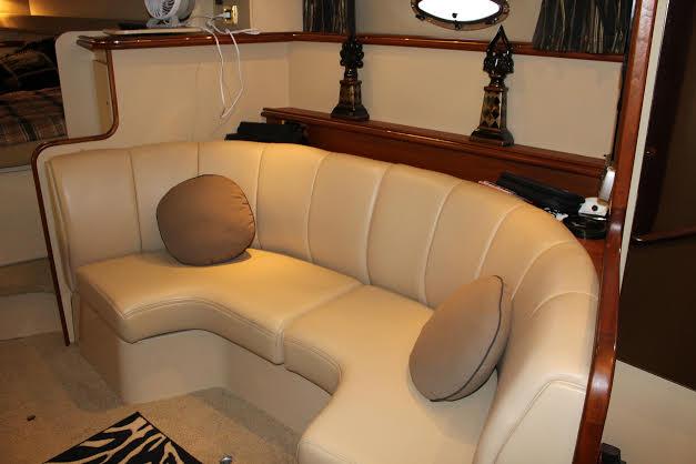 http://eisenhoweryachtclub.com/wp-content/uploads/couch-1.jpg