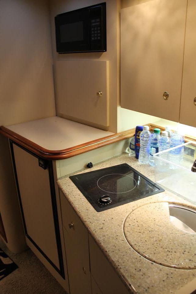 http://eisenhoweryachtclub.com/wp-content/uploads/kitchen-2-1.jpg