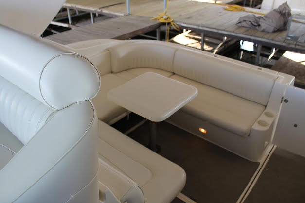 http://eisenhoweryachtclub.com/wp-content/uploads/rear-seating-1.jpg